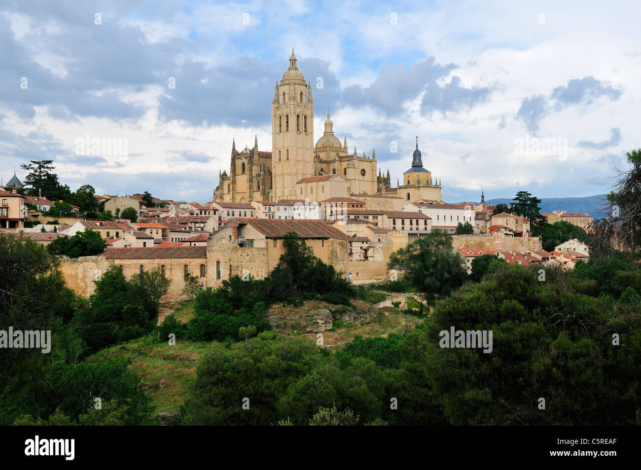 Europe, Spain, Castile and Leon, Segovia, View of city with cathedral - Stock Image