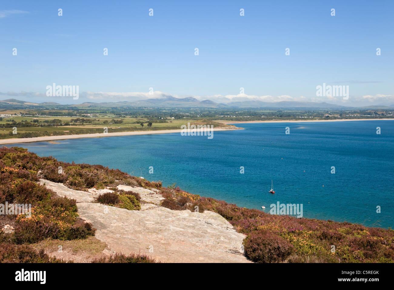 Llanbedrog Lleyn Peninsula Gwynedd, North Wales UK. High view from Mynydd Tir-y-Cwmwd to Cardigan Bay coastline - Stock Image
