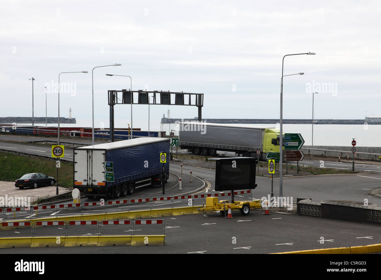 Lorries on flyover at Dover docks - Stock Image