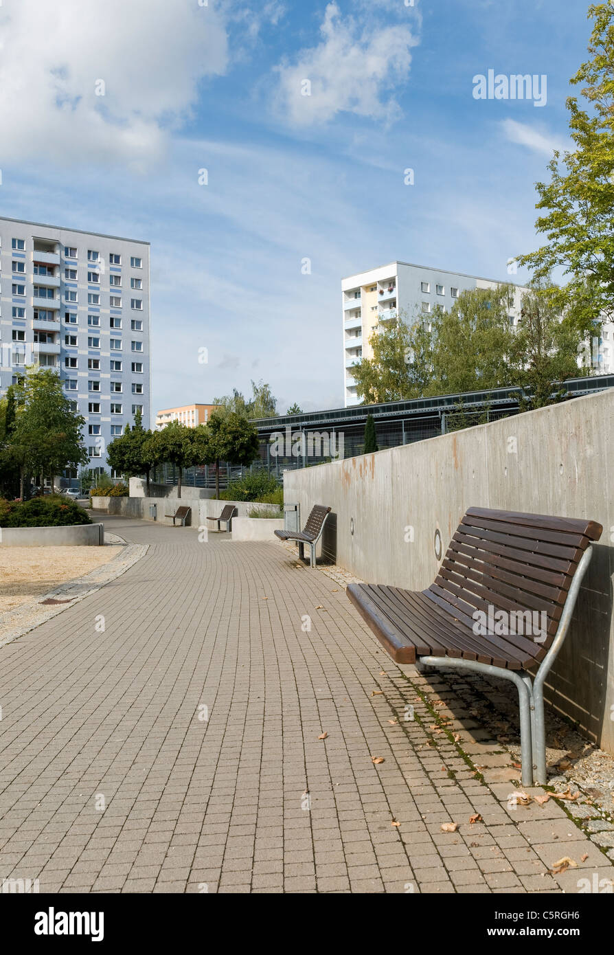 Park, Plattenbau, pre-fabricated concrete buildings, social housing, residential estate, Jena, Thuringia, Germany, - Stock Image