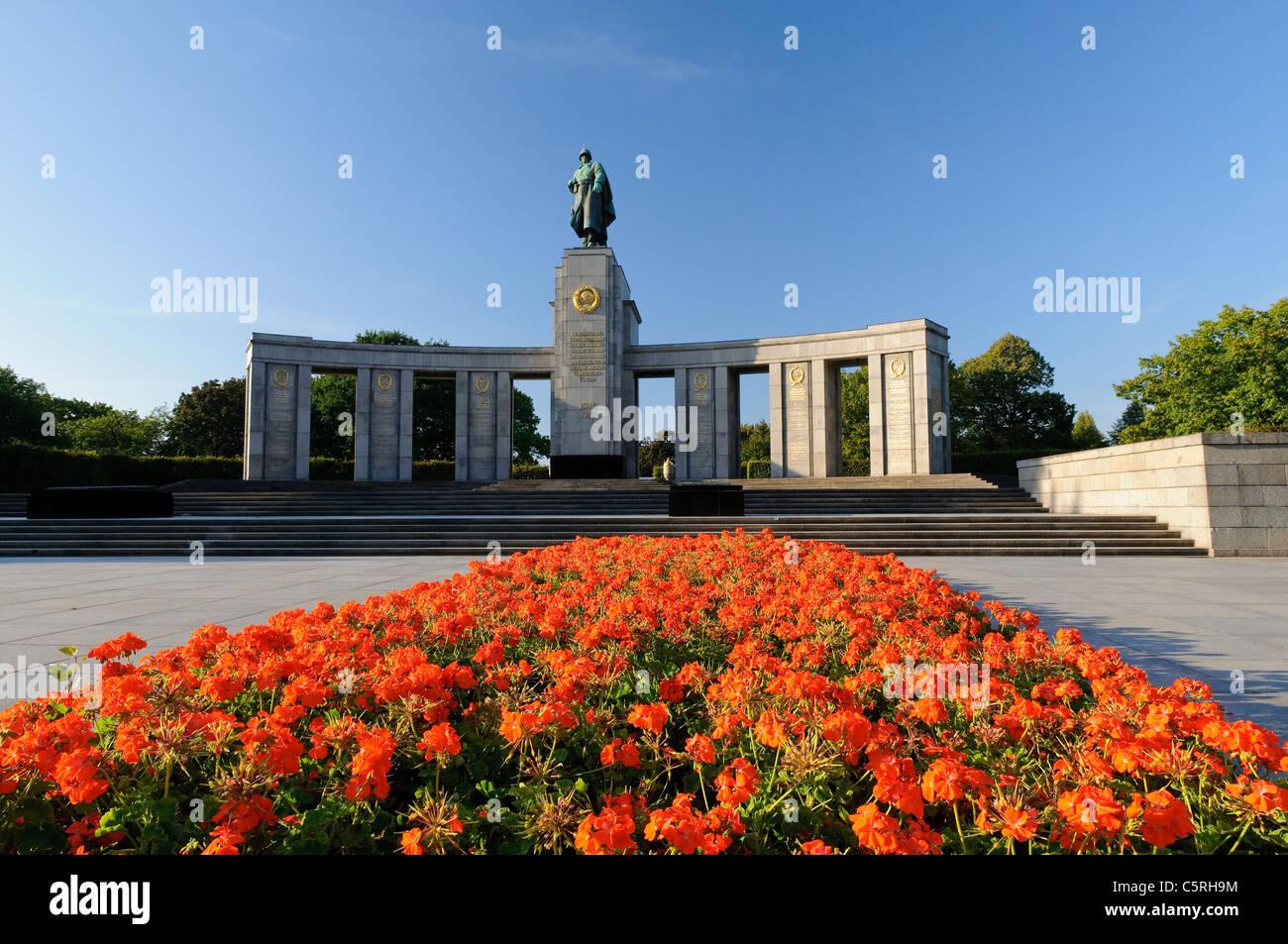 Soviet War Memorial in the Tiergarten park, Berlin, Germany, Europe - Stock Image