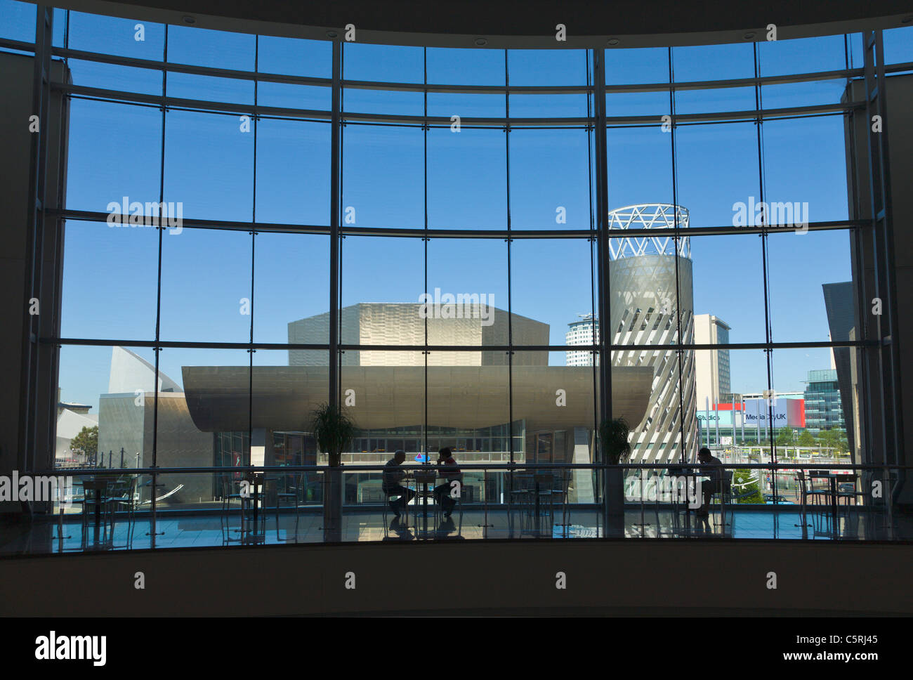 Cafe overlooking the Lowry Centre, Salford Quays, Manchester, England - Stock Image