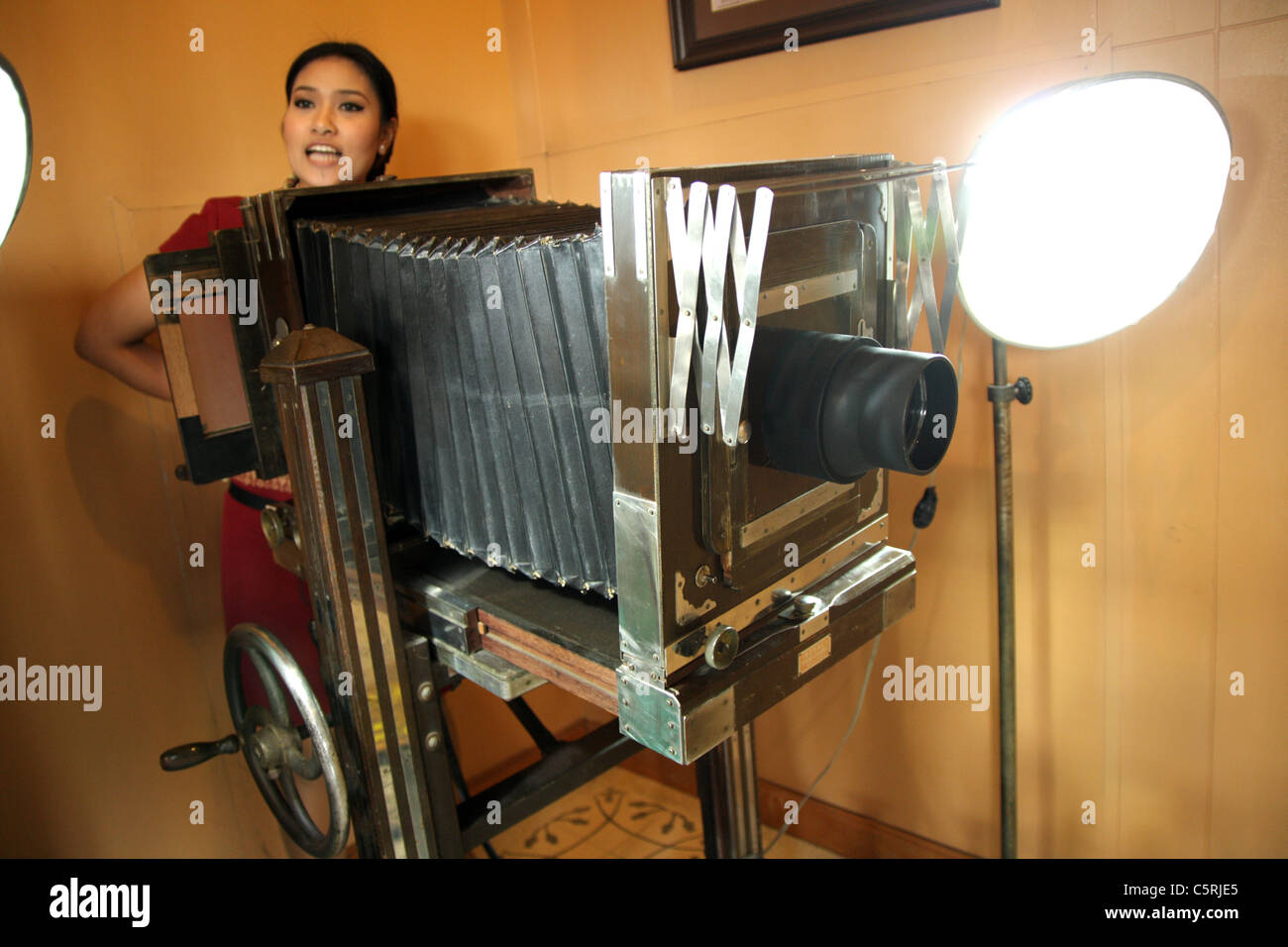 Old large format camera in studio - Stock Image
