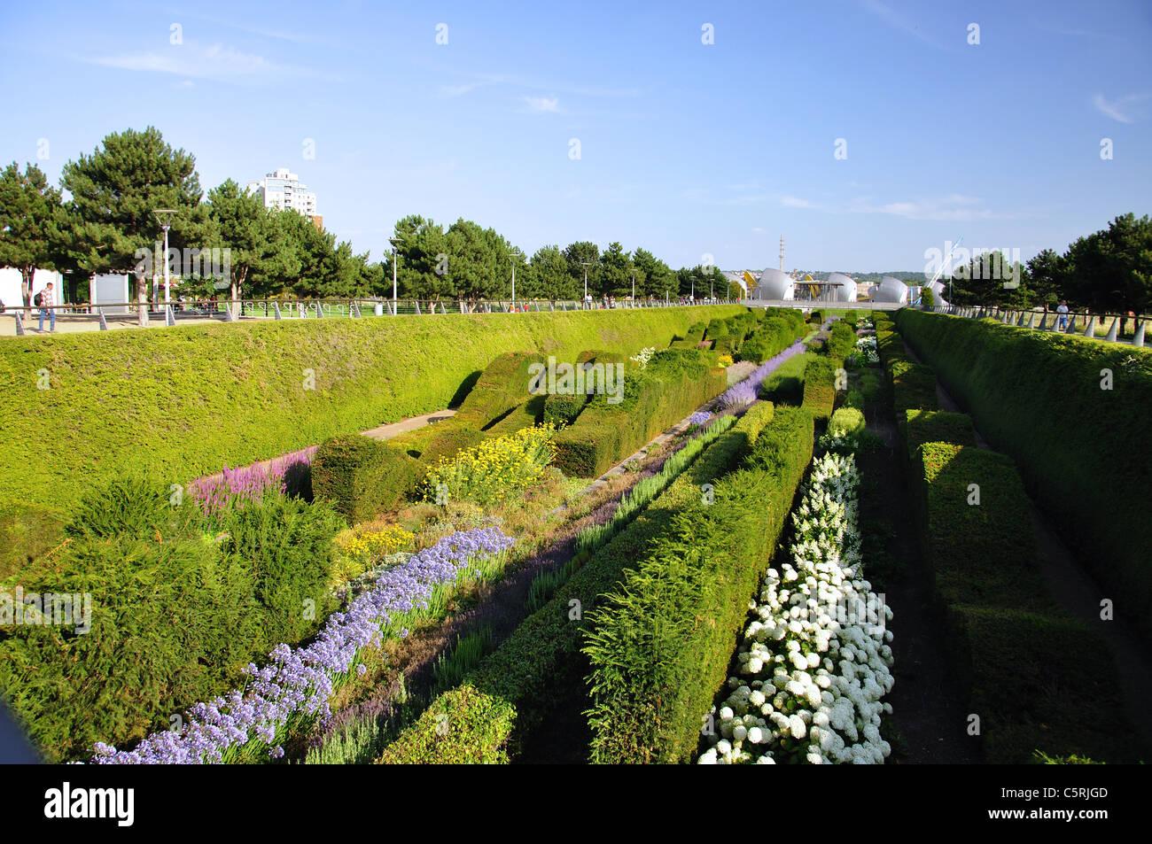 Superbe Sunken Garden At Thames Barrier Park, Silvertown, West Ham, London Borough  Of Newham