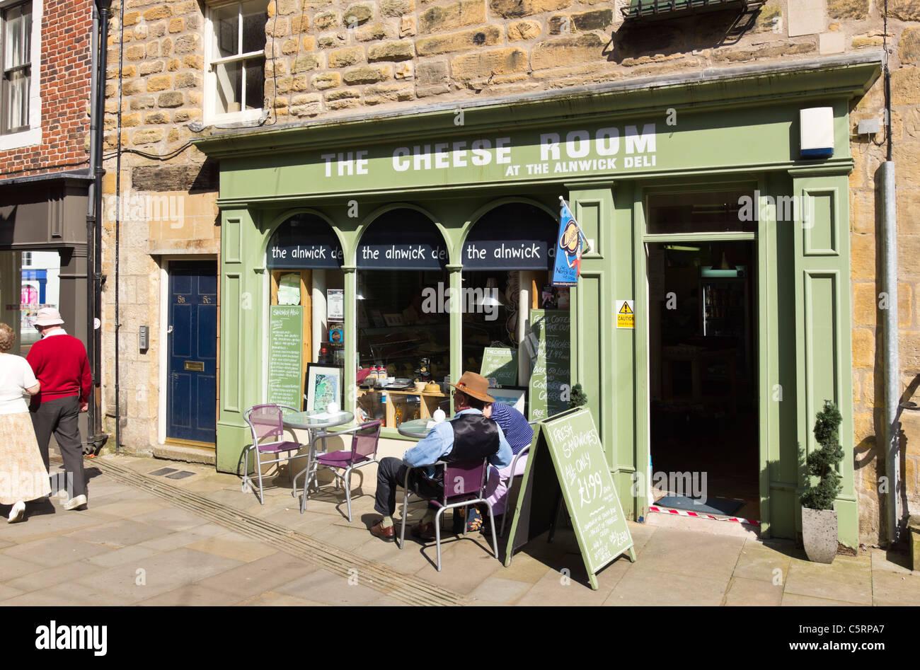 Alnwick, Northumberland, UK - Alnwick deli cheese room caf - Stock Image