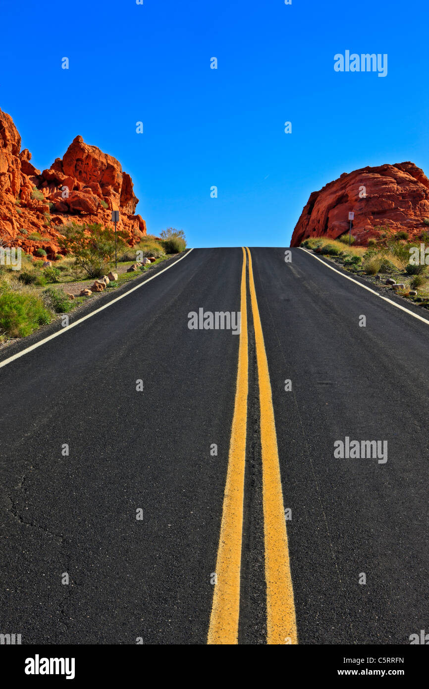 Desert road, Valley of Fire State Park, Nevada, USA - Stock Image