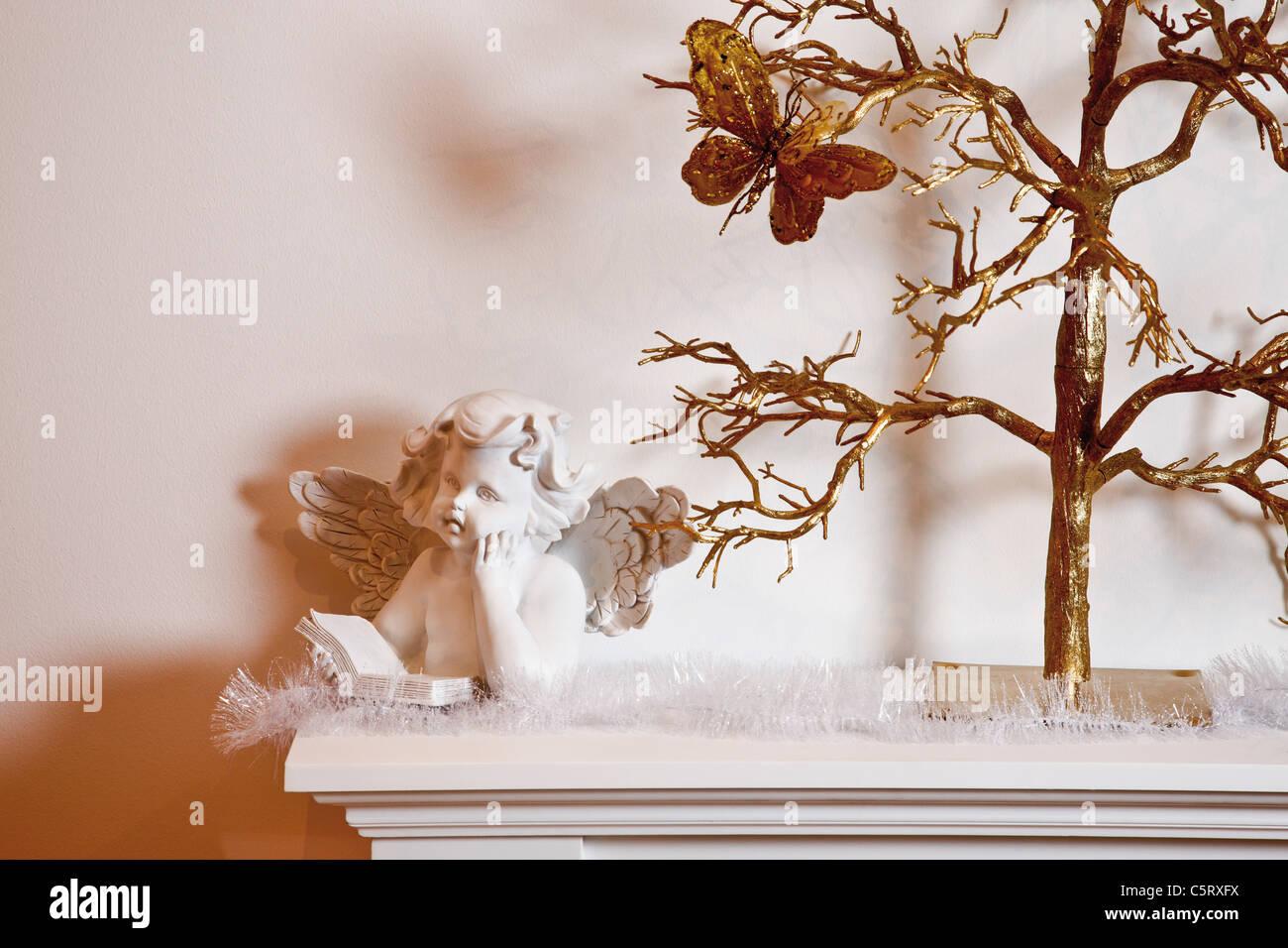 Christmas decoration on shelf - Stock Image