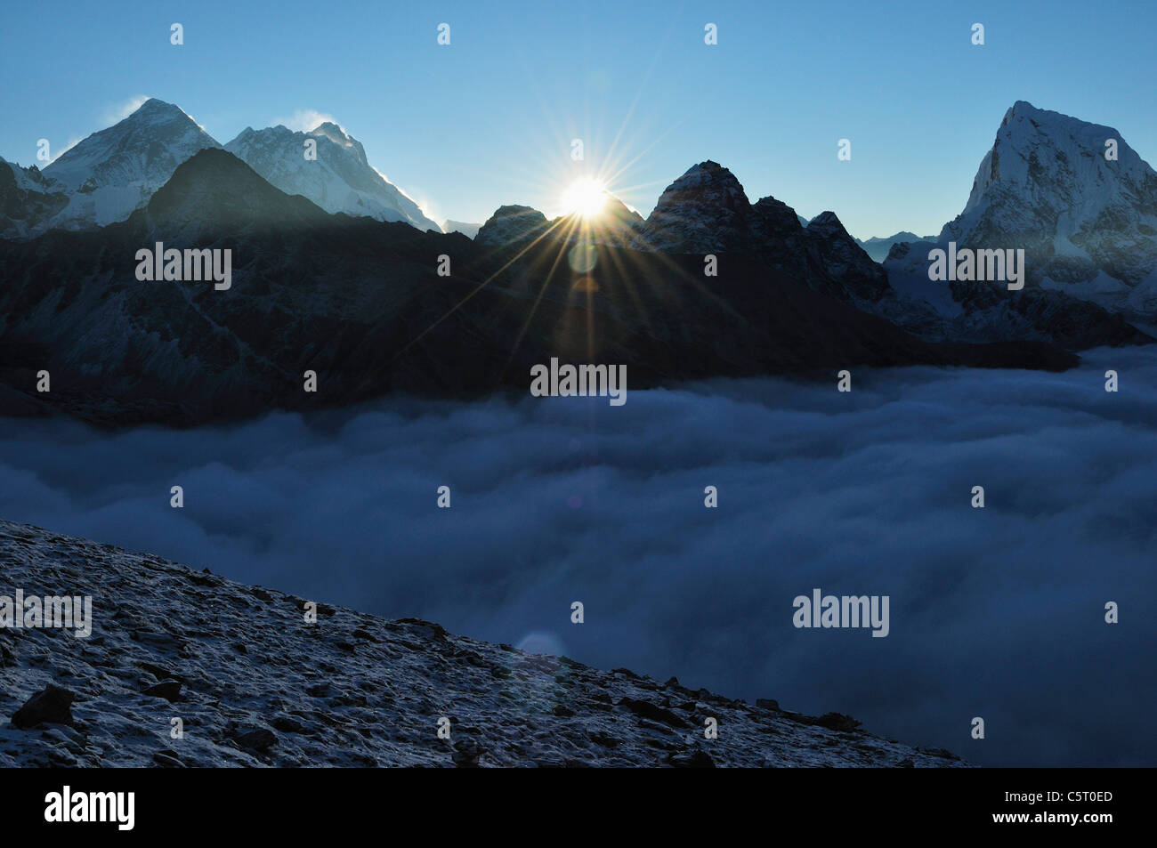 Asia, Nepal, Eastern Region, View of mountain ranges - Stock Image