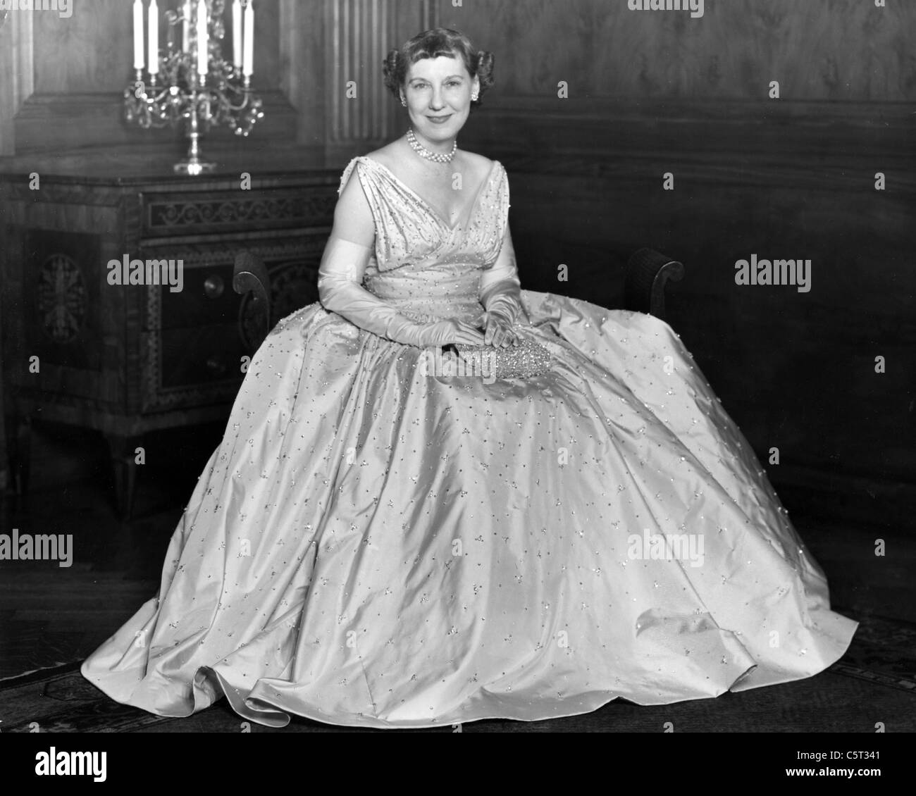 MAMIE EISENHOWER (1896-1979) wife of President Eisenhower in her 1953 Inauguaration gown. Photo Larry Gordon - Stock Image