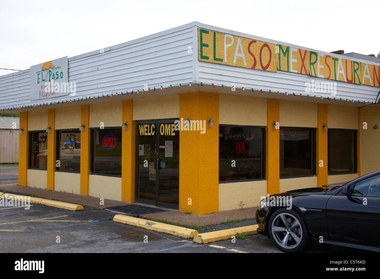 small roadside mexican food diner hurricane mills tennessee usa - Stock Image