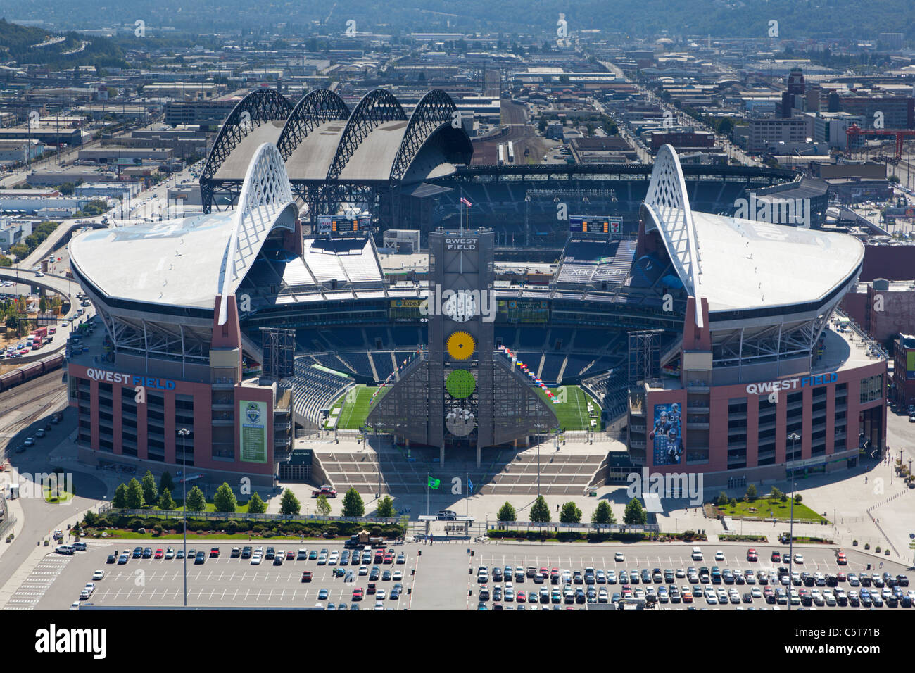 Seahawks Stadium High Resolution Stock Photography And Images Alamy
