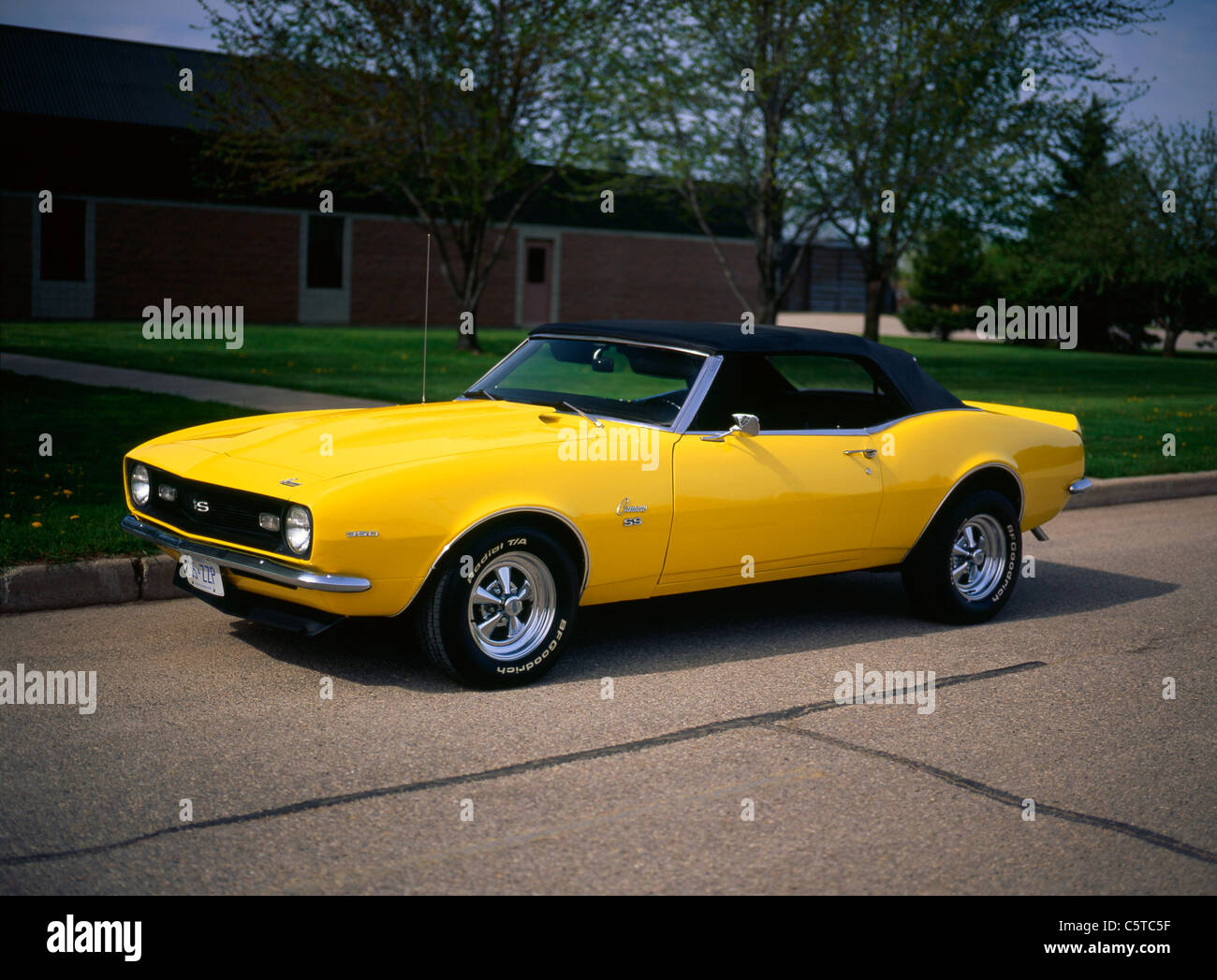 Camaro 68 chevrolet camaro : 1968 Chevrolet Camaro SS Stock Photo, Royalty Free Image: 38030427 ...