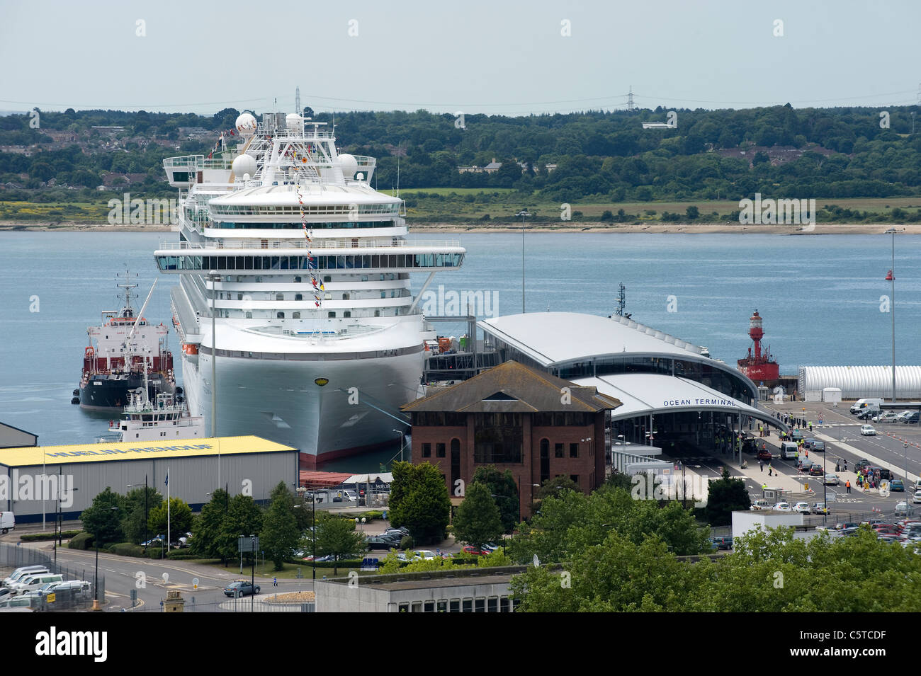 Aerial view of Ocean Terminal, Southampton, England, with P&O cruise liner 'Azura' and Southampton Water - Stock Image
