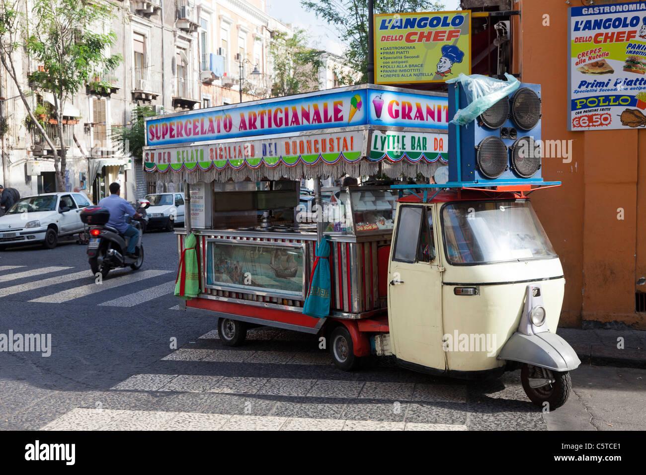 116f3c1154f9ff Piaggio Ape mini van selling gelato in Catania Italy Stock Photo ...