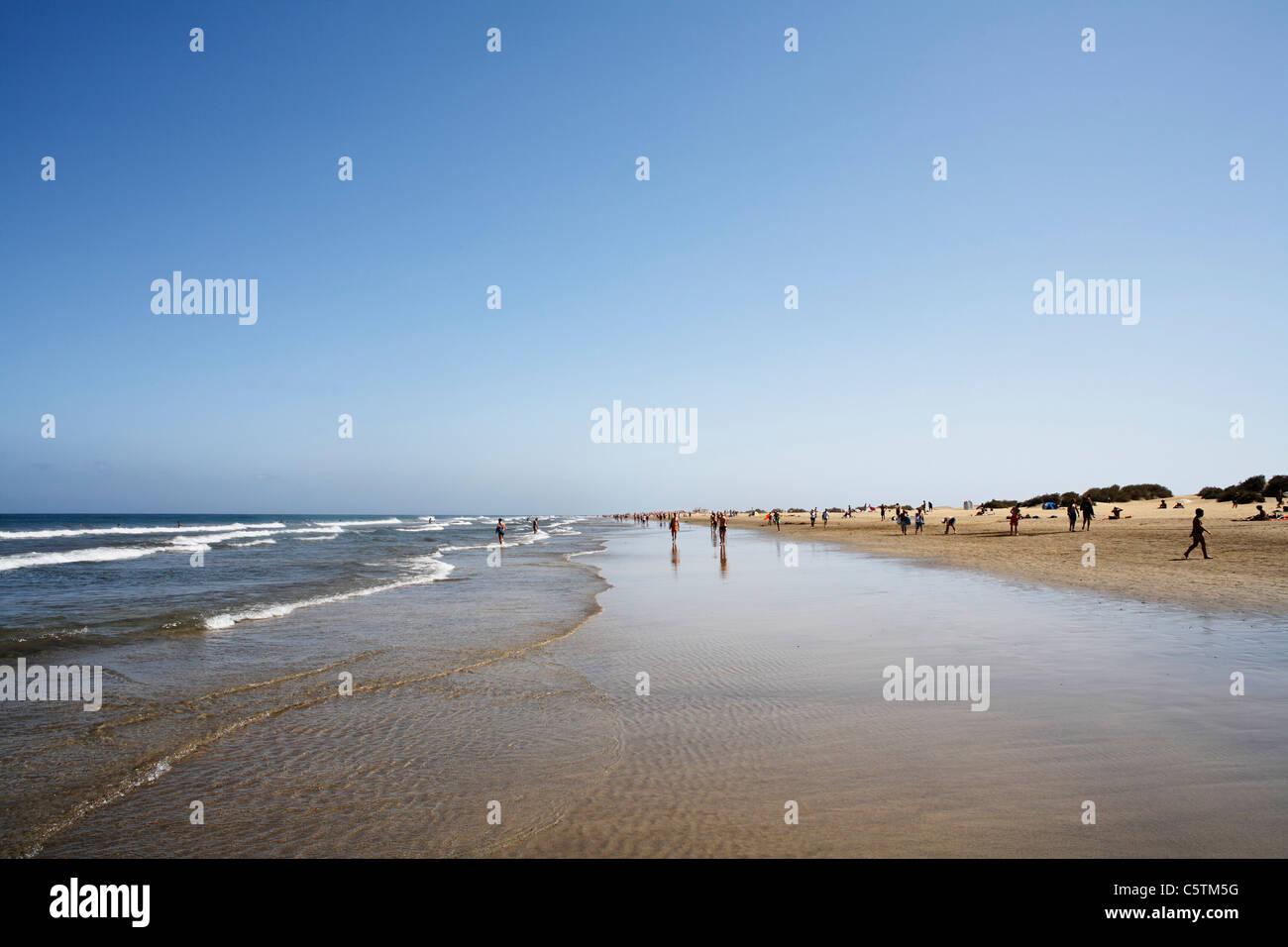 Spain, Gran Canaria, Costa Canaria, Playa del Ingles, Tourist on beach - Stock Image