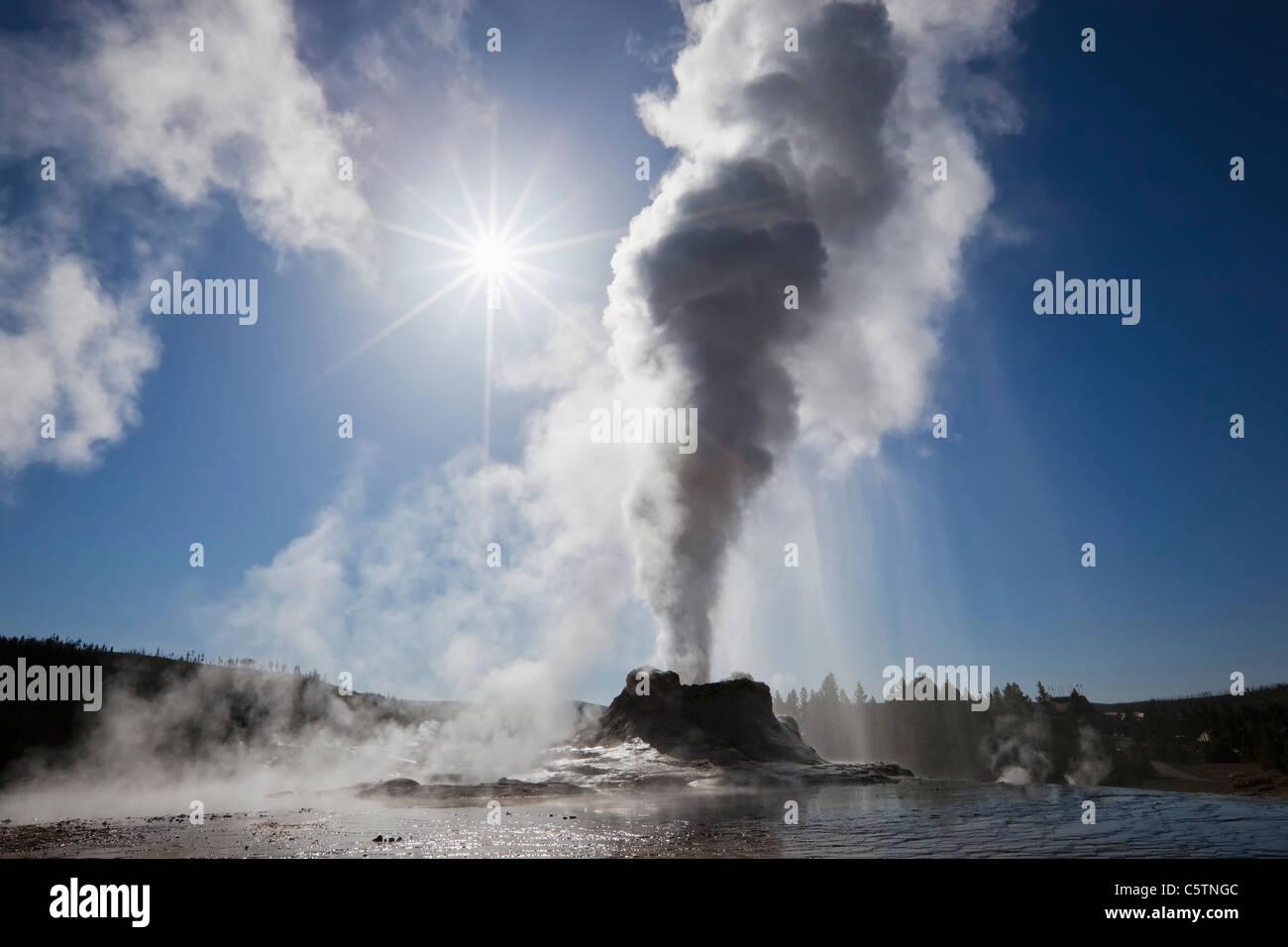 USA, Yellowstone Park, Wyoming, Castle Geyser - Stock Image