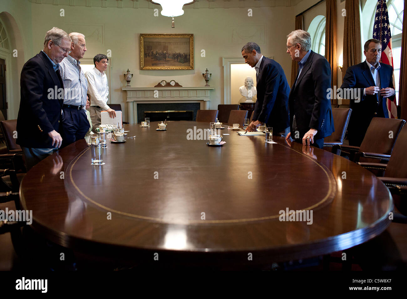 President Barack Obama and Vice President Joe Biden meet with Congressional leaders on the debt crisis - Stock Image