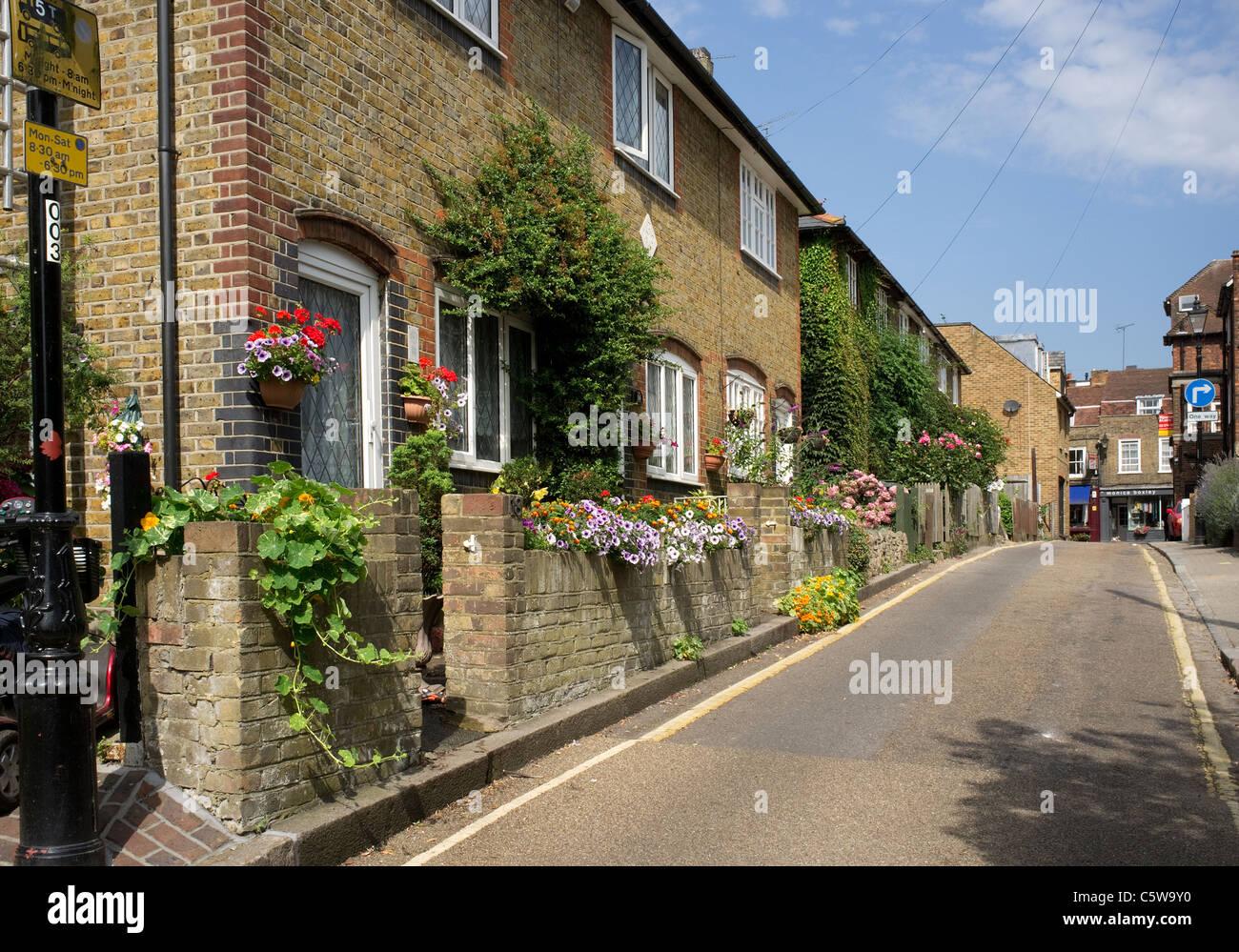 Cottages in Bell Lane, Twickenham, London Borough of Richmond upon Thames -1 - Stock Image