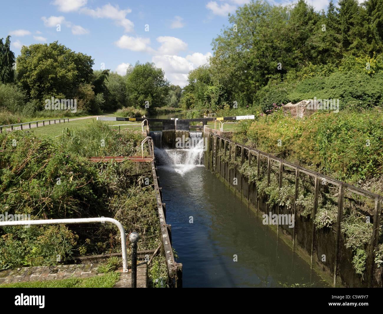 Garston Turf Sided Lock, Kennet and Avon Canal, Berkshire, UK -2 - Stock Image