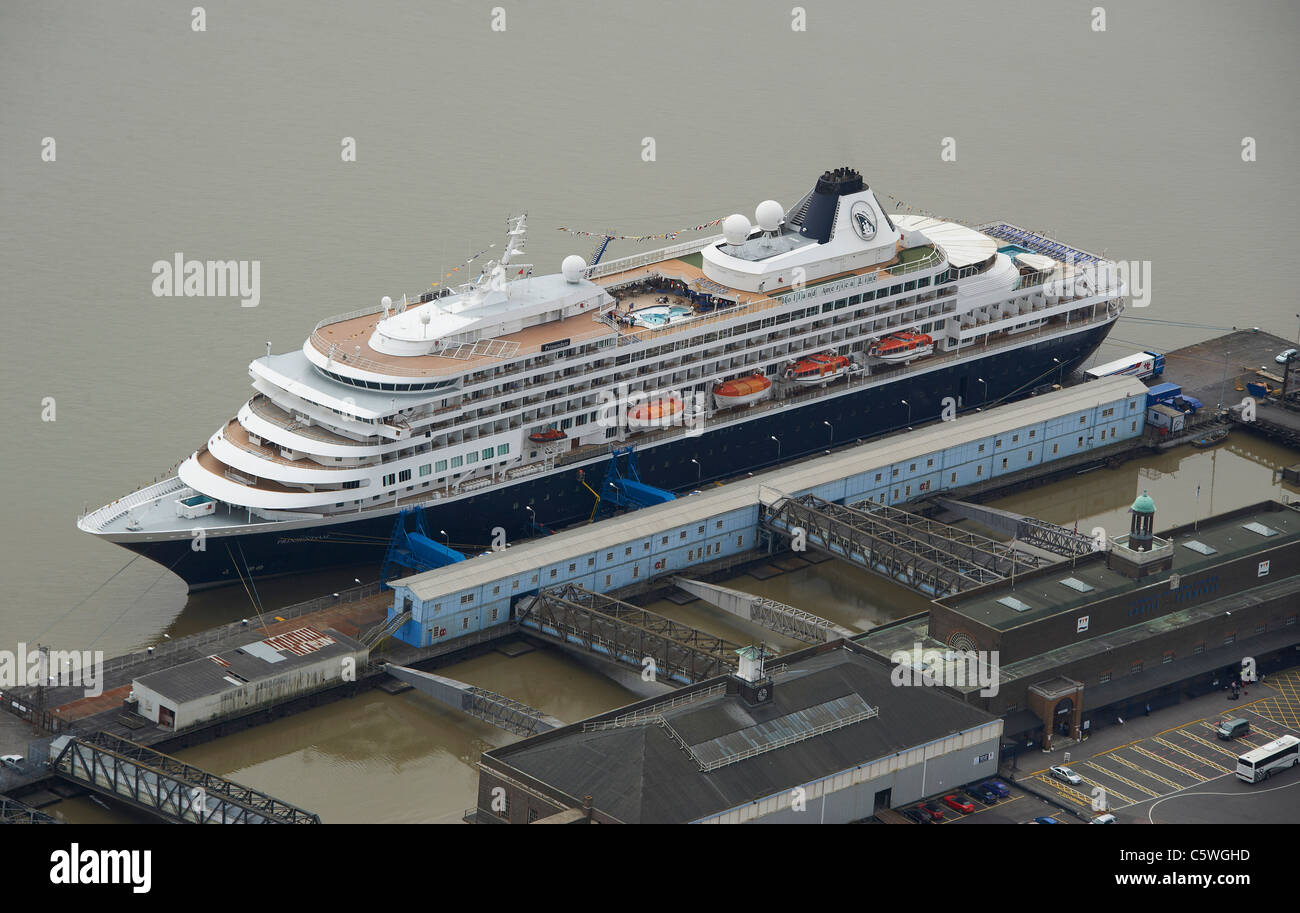Cruise Ship at Tilbury Cruise terminal, River Thames, East London - Stock Image