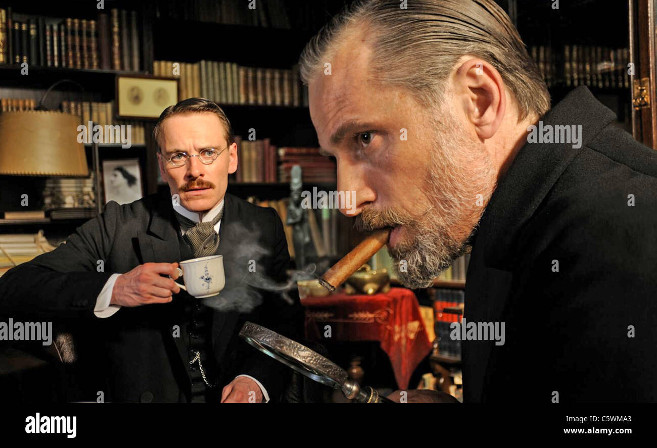 A DANGEROUS METHOD 2011 Sony Pictures Classic film with Michael Fassbender at right as Carl Jung and Viggo Mortensen - Stock Image