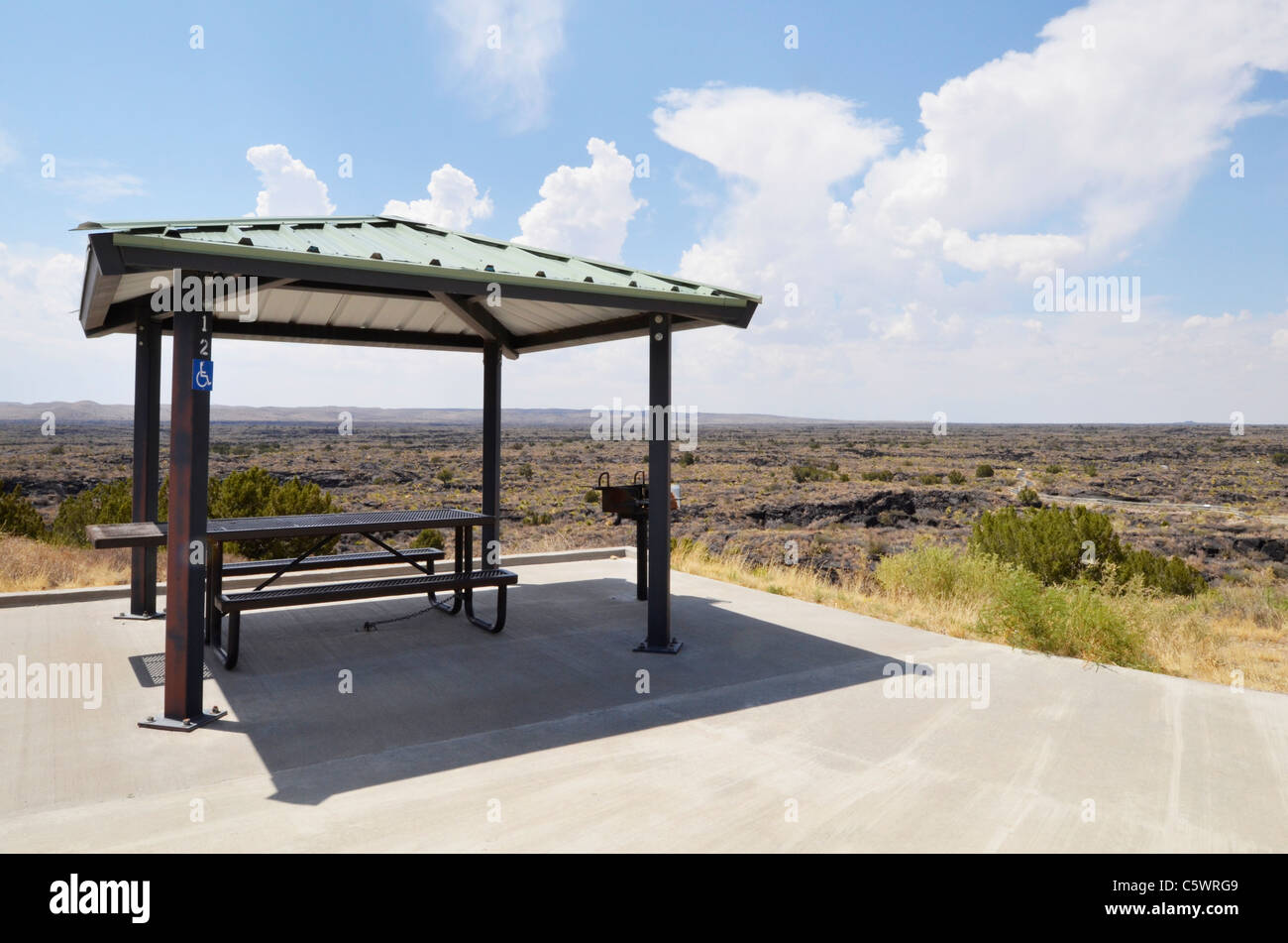 Picnic shelter and area on a lookout over the New Mexico landscape - Stock Image