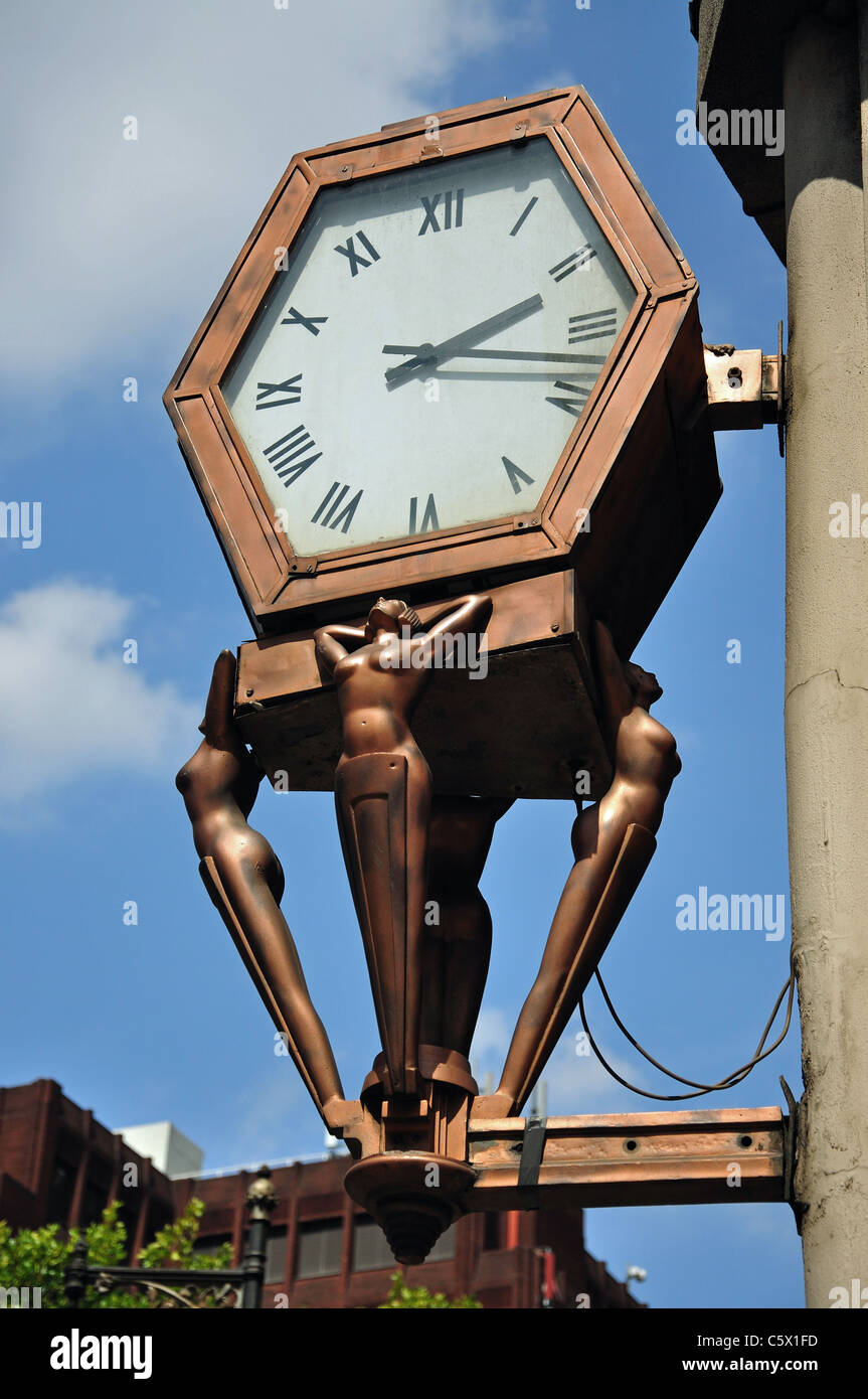 Art Deco wall clock, Cambridge Circus, Soho, West End, City of Westminster, Greater London, England, United Kingdom - Stock Image