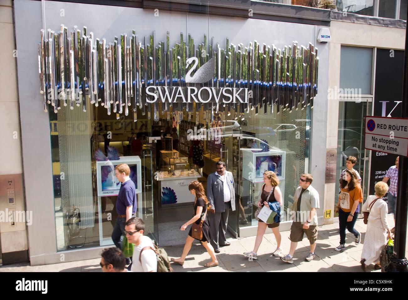 Swarovski crystal retail shop in Kinghtsbridge ebbaa0d82c