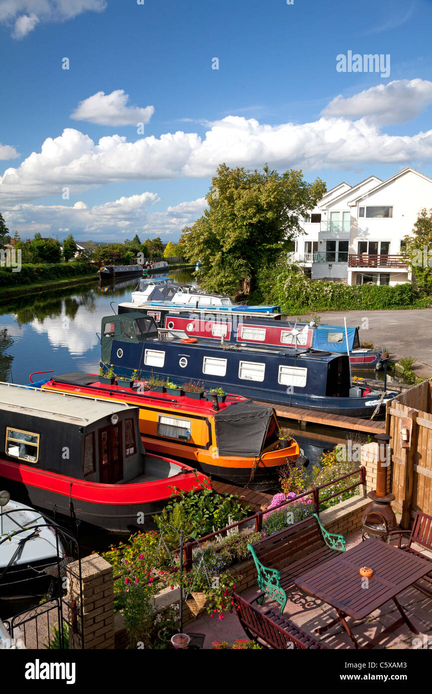 Boats moored on the Bridgewater Canal, Appleton, Cheshire - Stock Image