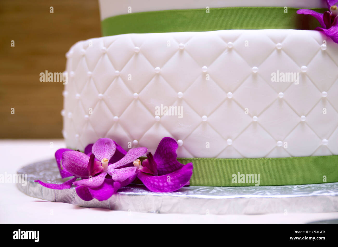 Wedding Cake Purple Flowers White Stock Photos Wedding Cake Purple