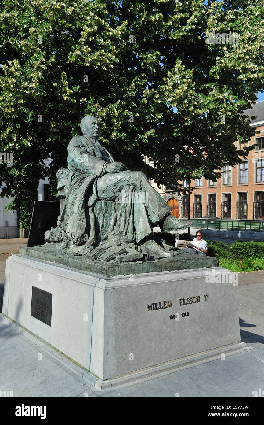 Statue of Flemish writer and poet Willem Elsschot, Antwerp city, Belgium - Stock Image