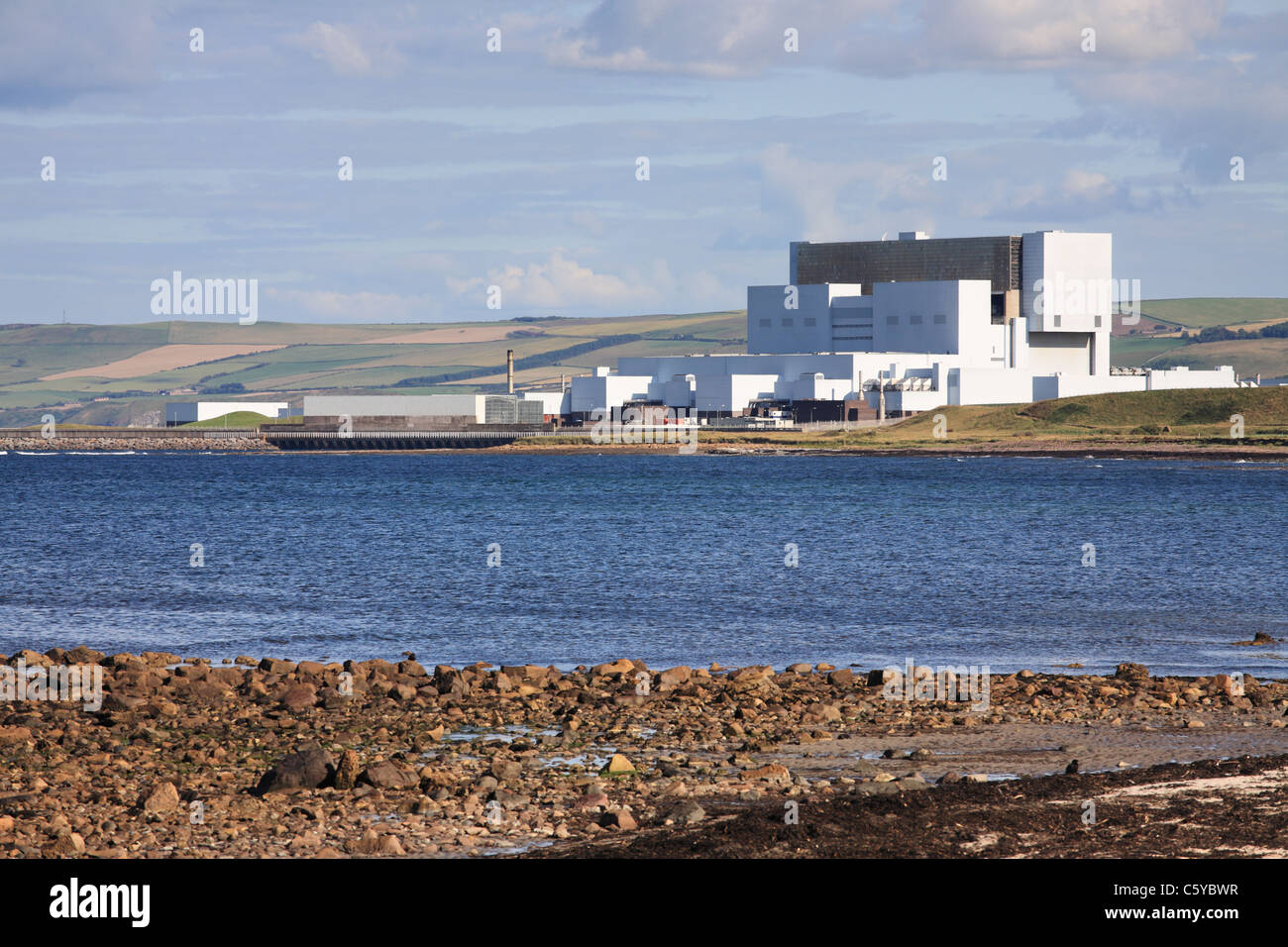 Torness AGR nuclear power station seen from the north, near Dunbar, Scotland, UK - Stock Image