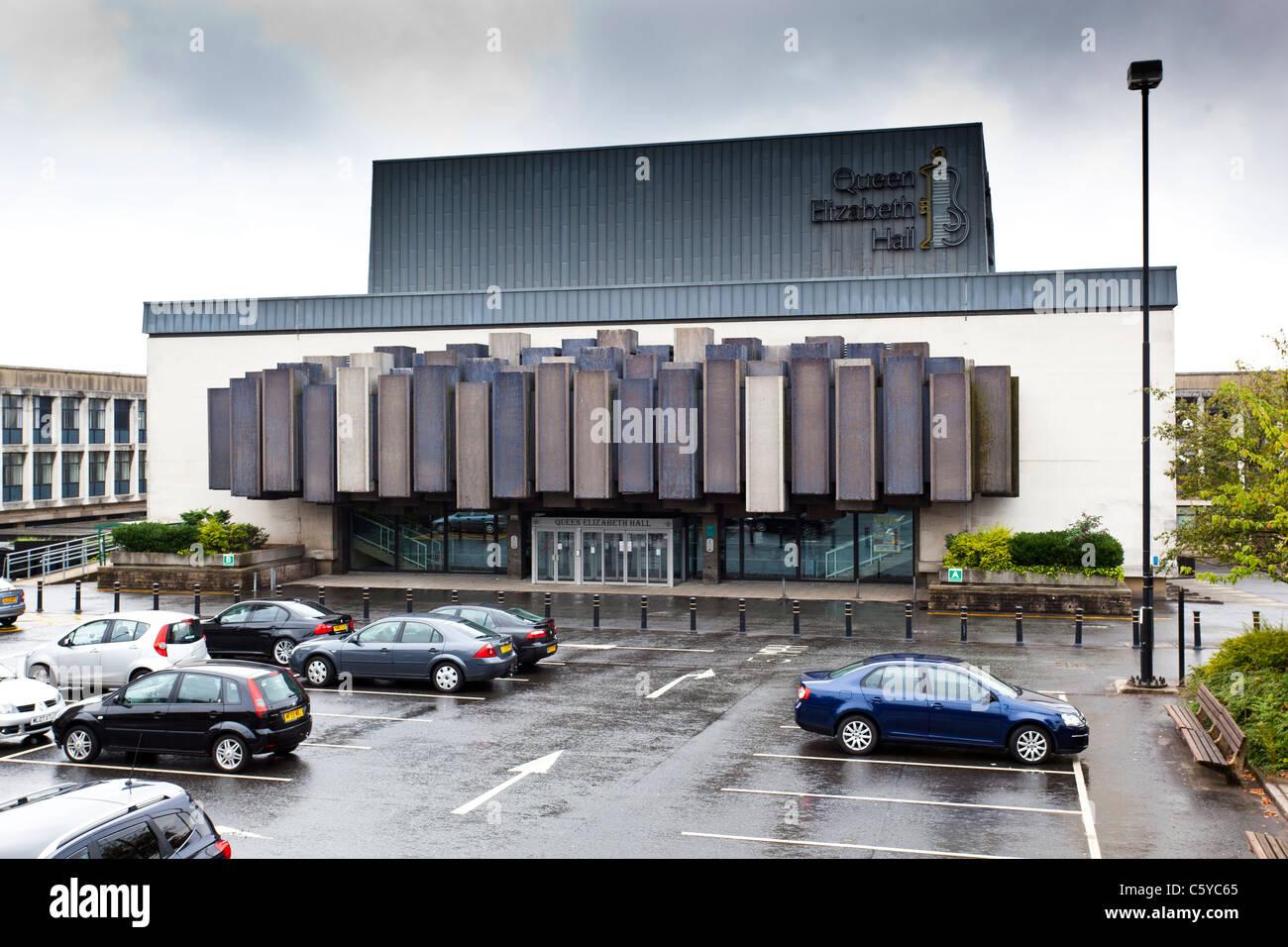Oldham Queen Elizabeth Hall - Stock Image