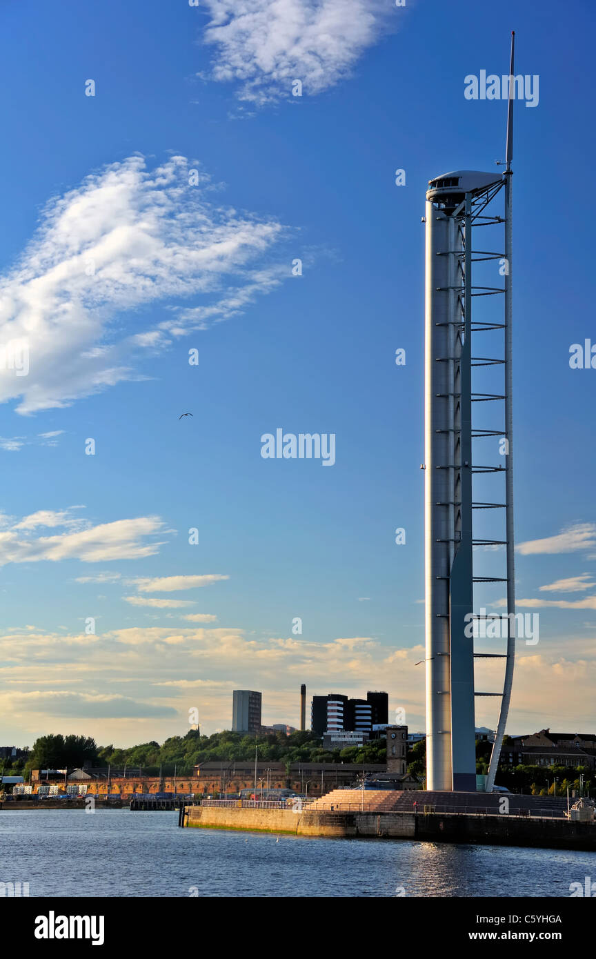 The Glasgow Tower in the evening sun - Stock Image