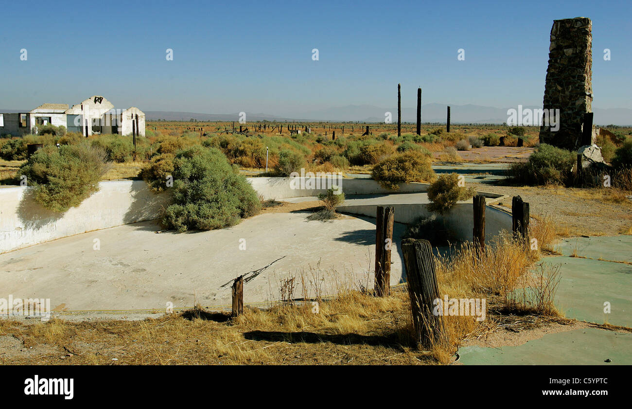 Ruins of the Pancho Barnes Happy Bottom Riding Club Rancho Oro Verde Fly-Inn Dude Ranch at Edwards AFB, CA. swimming - Stock Image