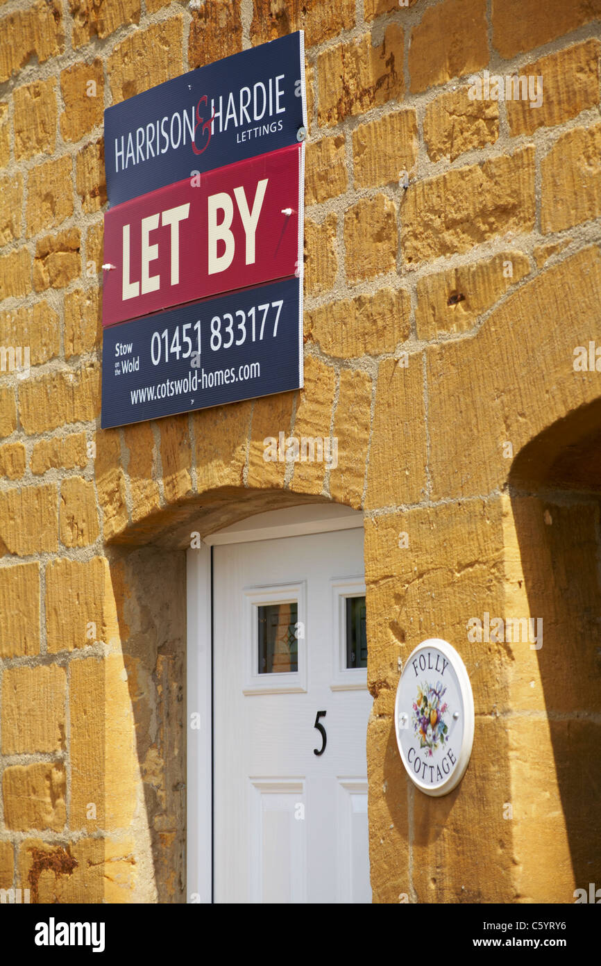 No 5 Folly Cottage let by Harrison & Hardie Lettings in the Cotswolds in July - Stock Image