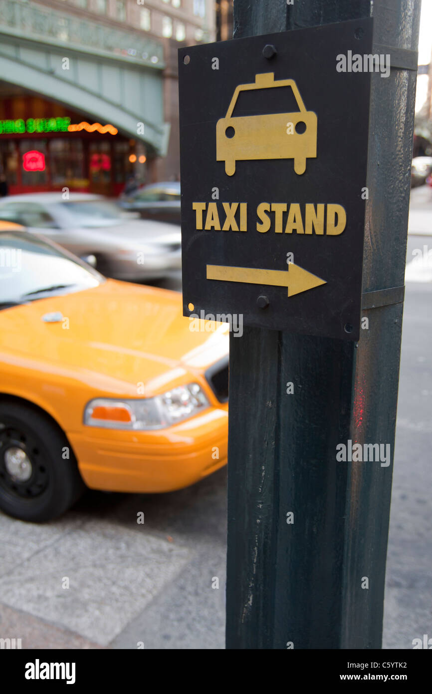 Yellow cabs in New York - Stock Image