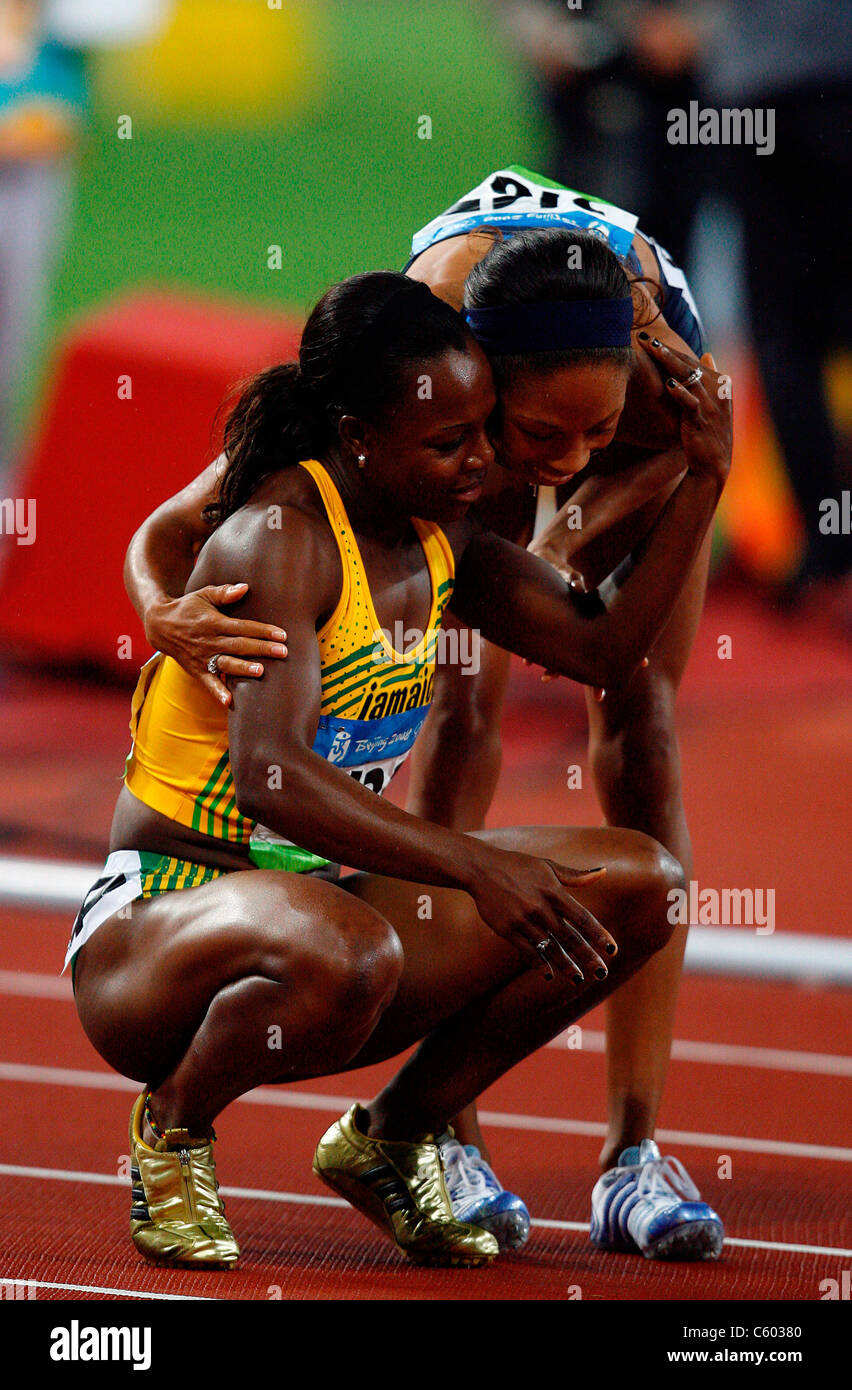 VERONICA CAMPBELL-BROWN & ALLY JAMAICA & USA OLYMPIC STADIUM BEIJING CHINA 21 August 2008 - Stock Image