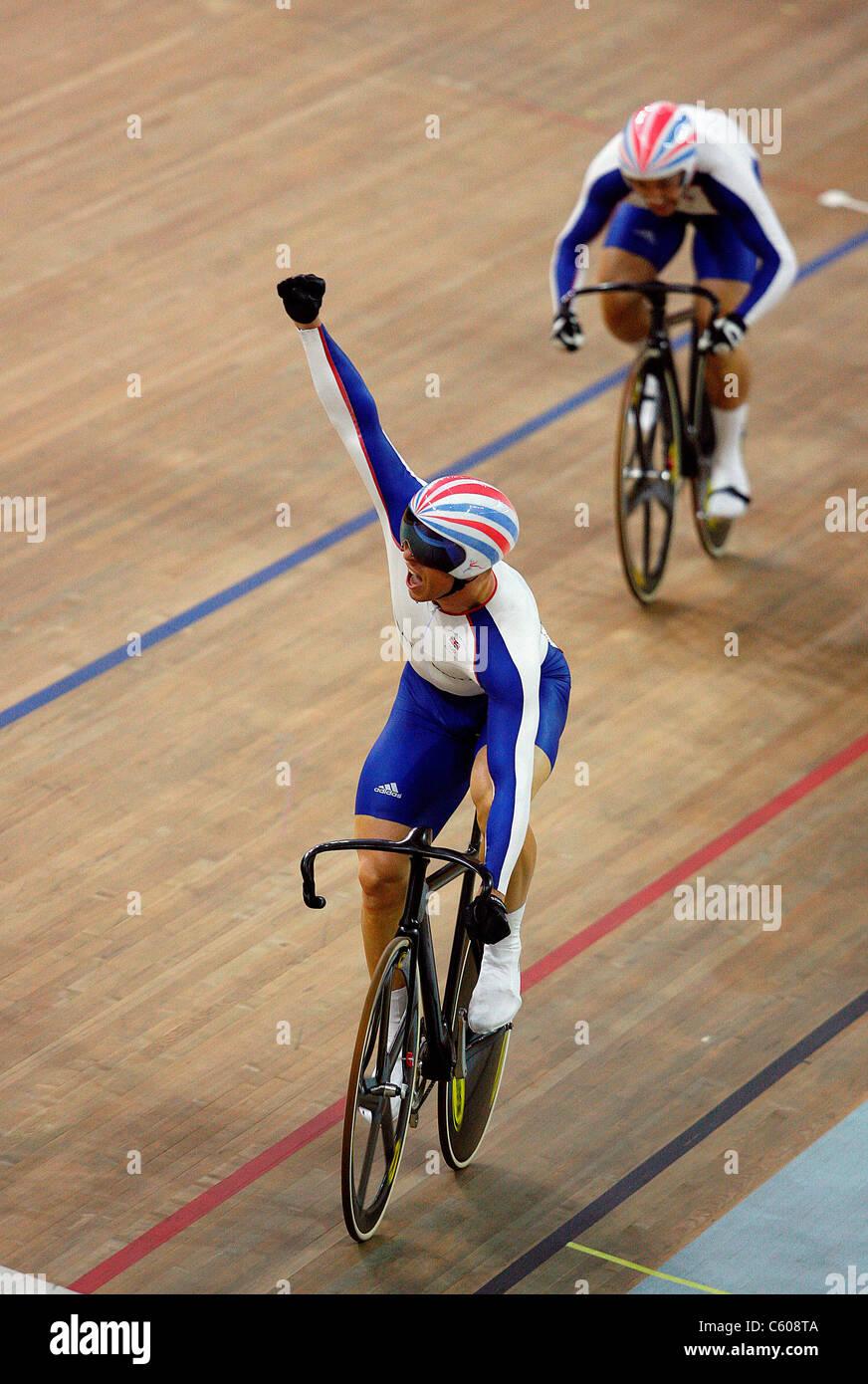 CHRIS HOY & ROSS EDGAR MENS KEIRIN OLYMPIC STADIUM BEIJING