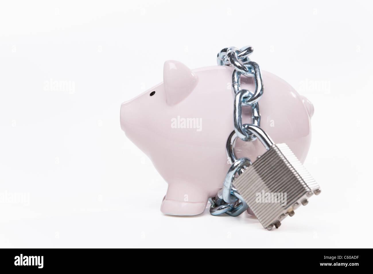 USA, Illinois, Metamora, Padlocked piggy bank Stock Photo