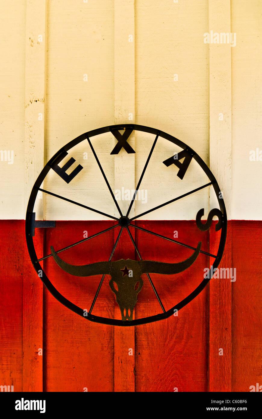 Iron Wheel Wagon Stock Photos & Iron Wheel Wagon Stock Images - Alamy