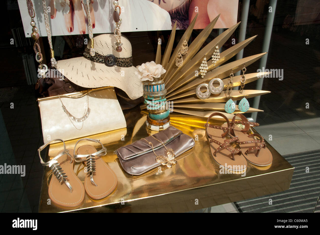 Istanbul Trendy Fashion shoes bags boutique Turkey - Stock Image