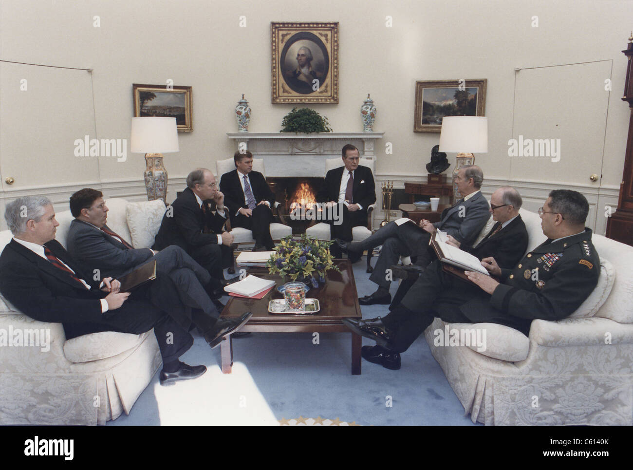 President George Bush meeting with key advisors on Jan. 15 1991. Determining that Saddam Hussein's would not - Stock Image