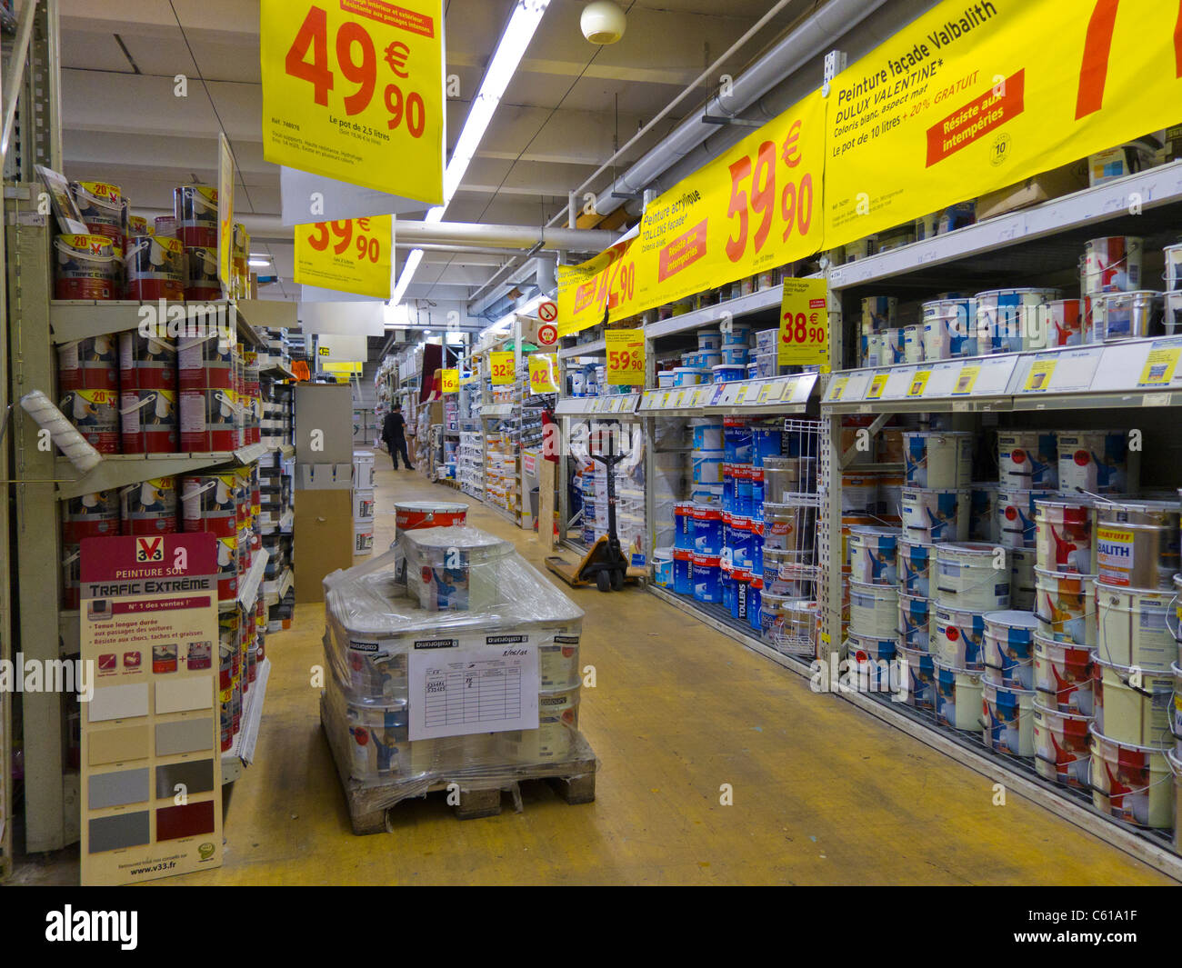 paris france inside french hardware store aisles castorama stock photo 38138507 alamy. Black Bedroom Furniture Sets. Home Design Ideas
