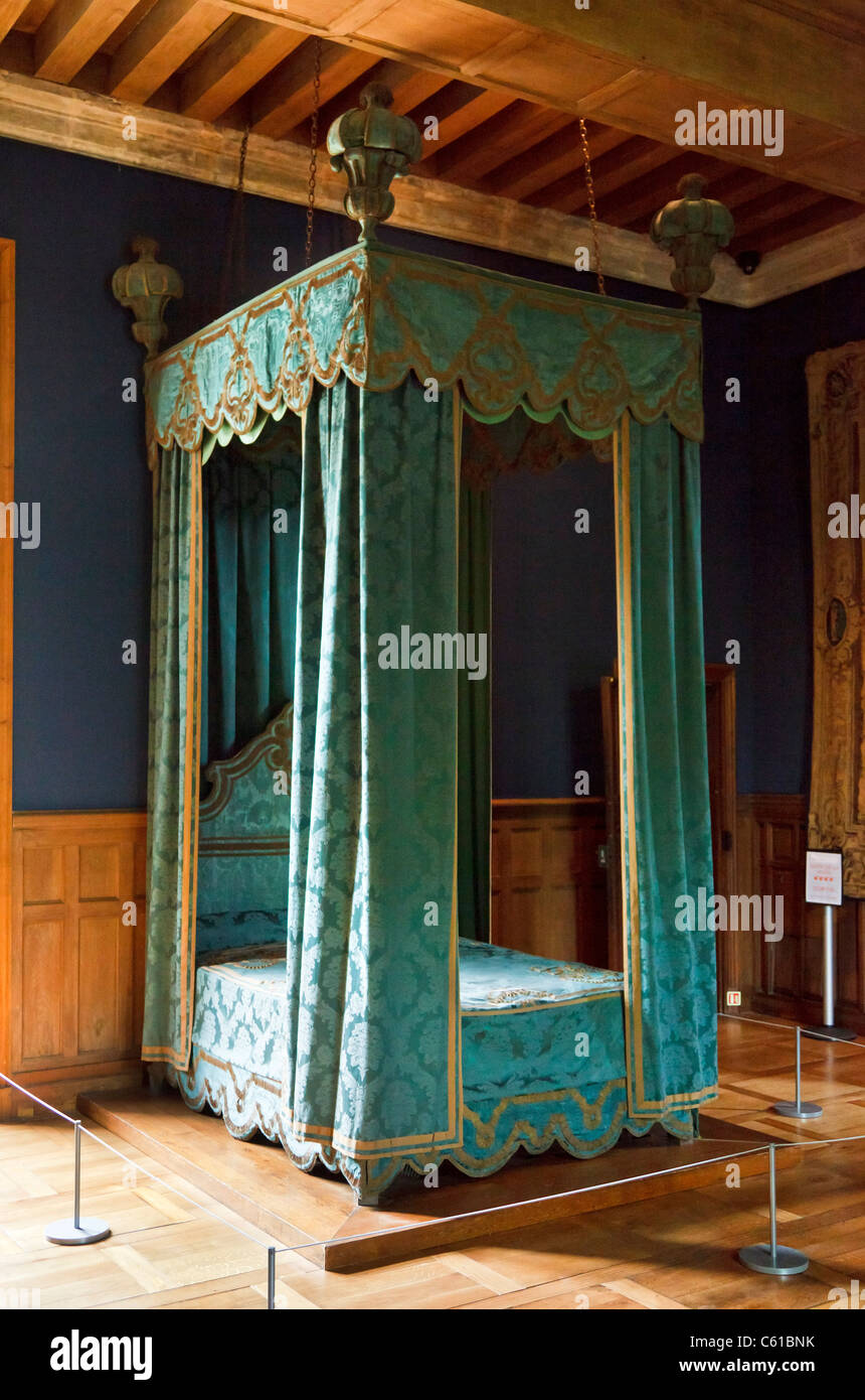 Four poster bed in the Chateau of Azay-le-Rideau, Indre et Loire, France, Europe - Stock Image