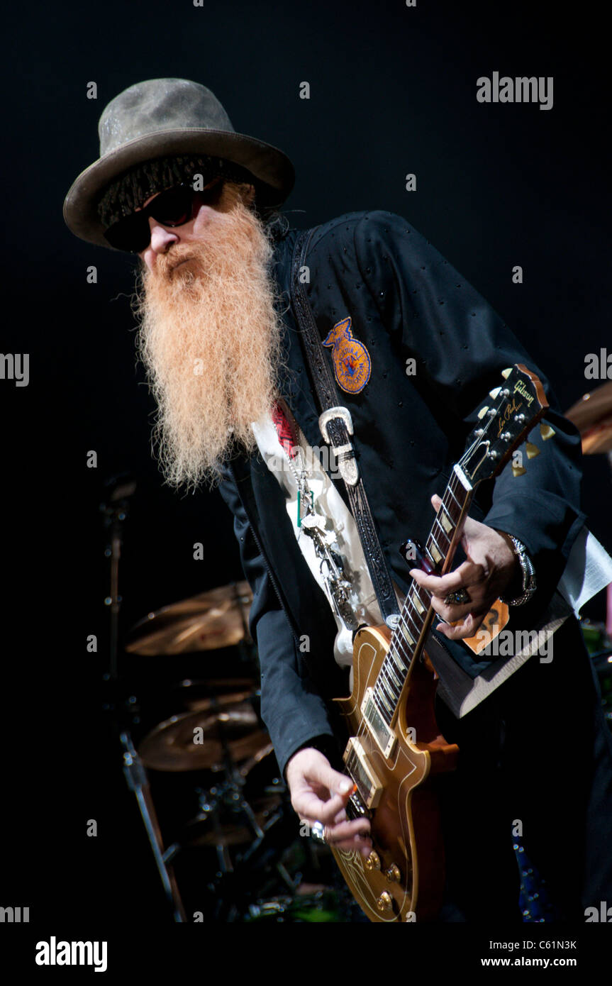 ZZ Top in NewZealand Hamilton V8s after race entertainement - Stock Image