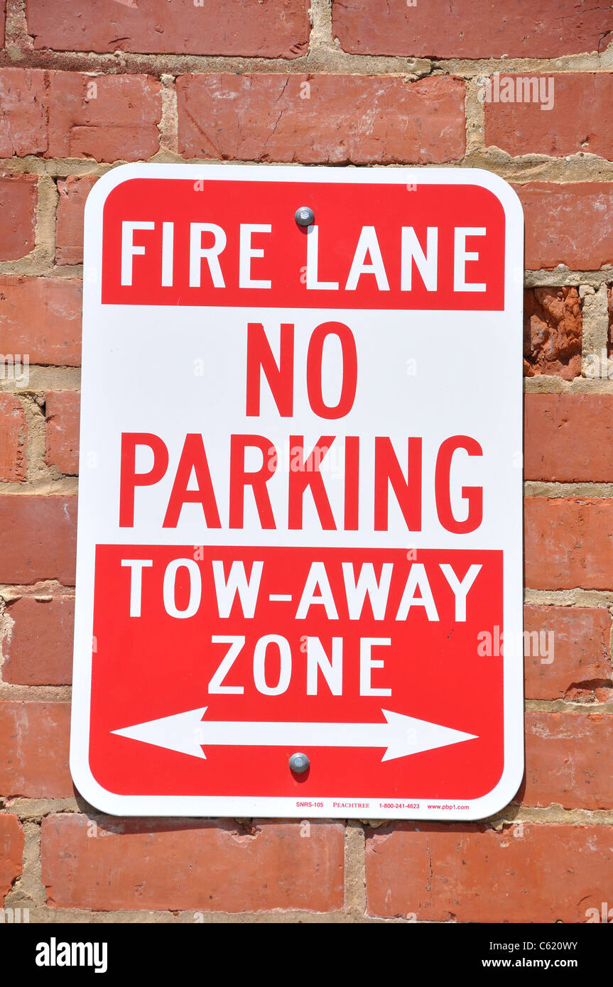 Fire Lane No Parking sign - Stock Image