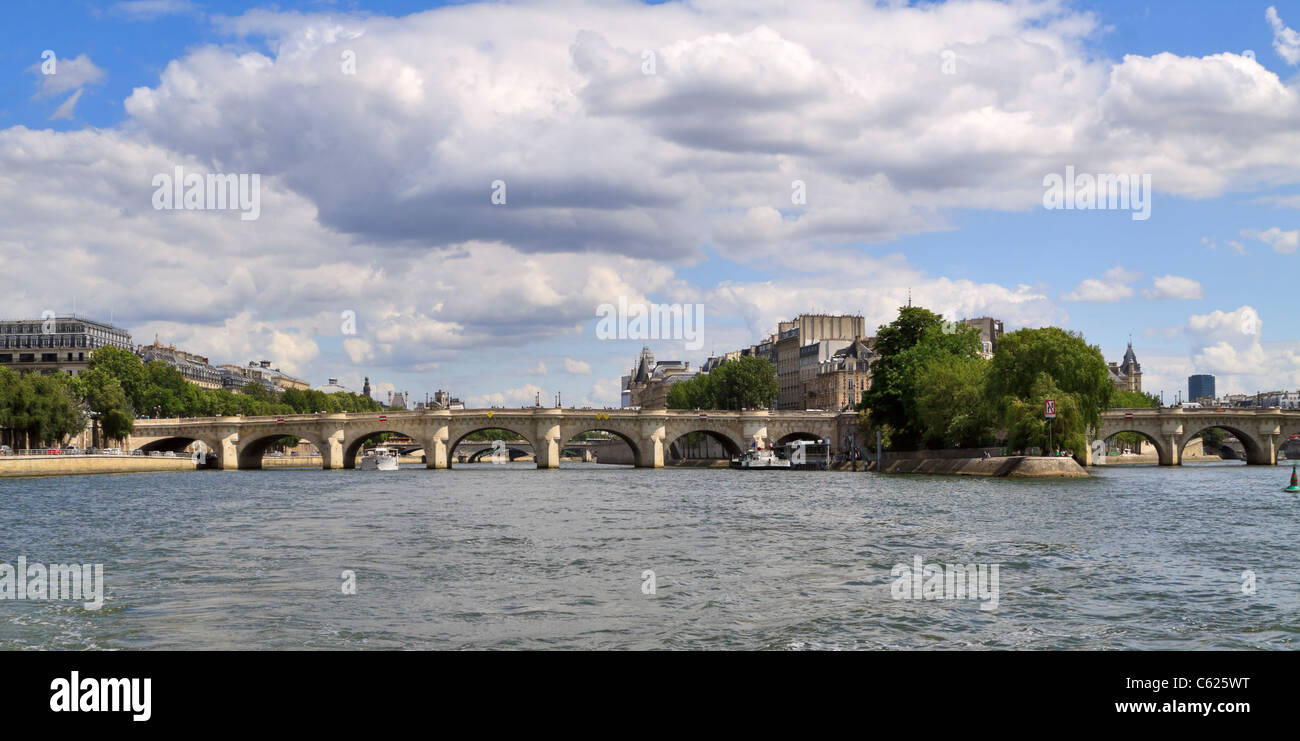 Pont Louis Philippe is one of a succession of bridges over the Seine River at Ile Saint Louis, Paris - Stock Image