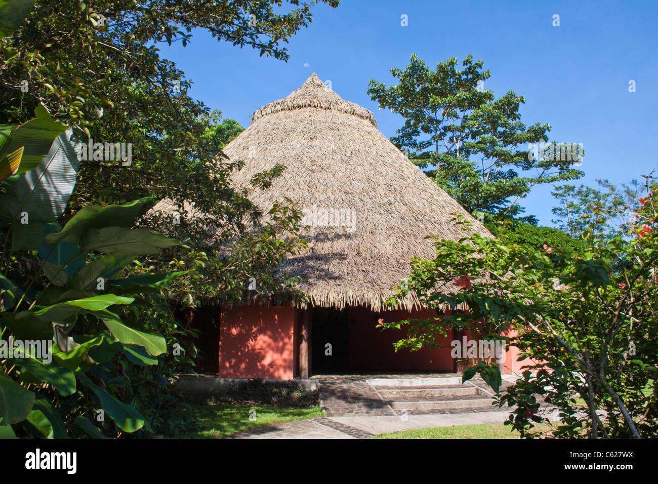 Sarapiqui Neotropic Center indigenous design cabins in Sarapiqui, Costa Rica. - Stock Image