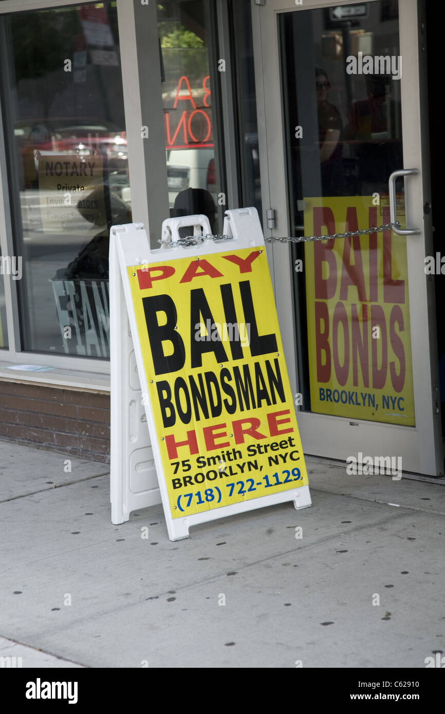 Bail Bondsman across the street from the city jail in Brooklyn, New York. - Stock Image